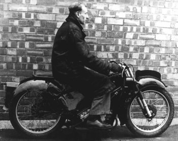 Charles Udall on prototype Velocette LE pic